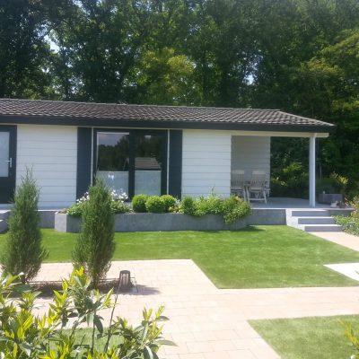 Chalet met groene tuinen